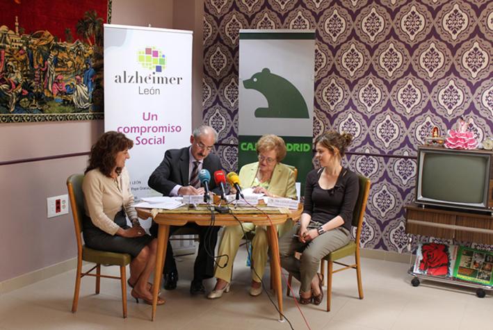 Convenio de Colaboración de Obra Social Caja Madrid y Alzheimer León