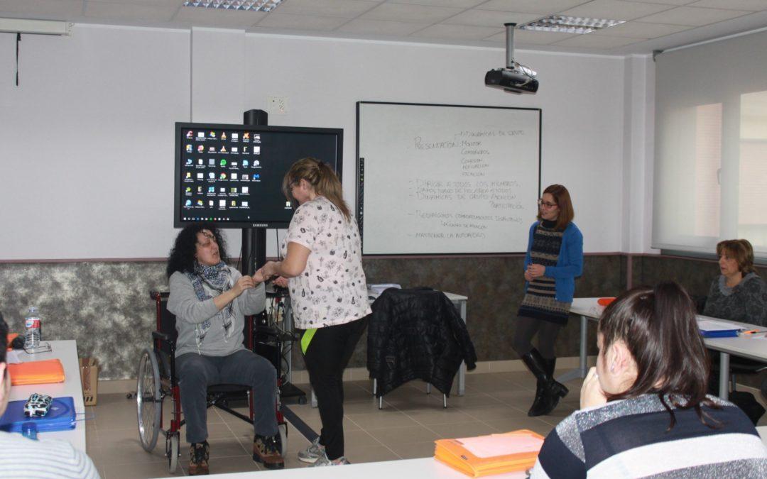 Alzheimer León abre convocatoria para formar a profesionales sociosanitarios en atención especializada a enfermos de Alzheimer y otras demencias